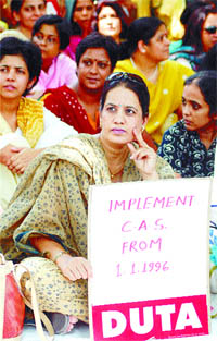 Delhi University teachers on dharna at the Ministry of Human Resource Development, September 12, 2006